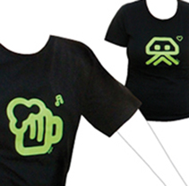 Camisetas 2009. Un proyecto de Diseño, Ilustración, Publicidad, Instalaciones y Fotografía de DUPLO Comunicació Gràfica         - 11.07.2011