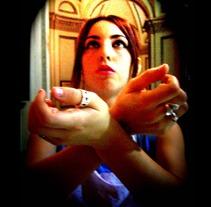 He aquí la esclava del hombre. Um projeto de Design, Fotografia e UI / UX de Carmen María García         - 28.04.2012