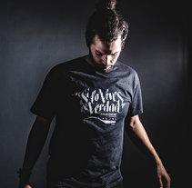 Camiseta Juego de Tronos Canal+. Un proyecto de Ilustración y Escritura de Rafael  Sánchez - 29-05-2014