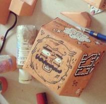 Paper Toy. Um projeto de Design, Ilustração, Design de personagens e Artesanato de Maikol De Sousa         - 07.10.2014