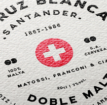 Rediseño etiqueta La Cruz Blanca. A Br, ing, Identit, Graphic Design, and Packaging project by rafa san emeterio  - 02.21.2015