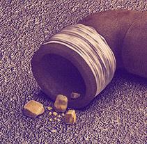 El crack mantiene la violencia mantiene el crack. Un proyecto de Diseño, Publicidad, 3D, Dirección de arte, Diseño gráfico y Post-producción de Lucas Miranda Melo - 25-02-2015