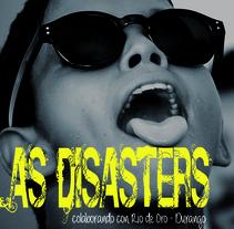 "CD ""Las disasters"". Um projeto de Design, Fotografia, Design gráfico e Packaging de Mikel del Arco Zumarraga         - 25.11.2013"