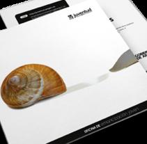 Emancipación joven. Um projeto de Gestão de design, Design editorial e Design gráfico de Estudio Mique  - 15-09-2008