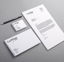 Branding para Curiosidad Singular: Identidad corporativa, Newsletter y banner.. A Br, ing, Identit, Editorial Design, Graphic Design, and Web Design project by cuerva_toscano         - 06.06.2015