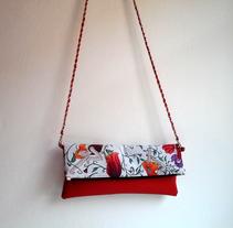Estampado textil para bolso. Un proyecto de Diseño de complementos de Nisamar  González Mederos - 01-07-2015