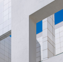 Architecture Photography - MACBA Museum (Barcelona). A Photograph, and Architecture project by Karolina  Moon - 09-07-2015