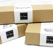 """PACKAGING """"De Tapas"""" . A Design, Cooking, Graphic Design, and Packaging project by Anna Garcia Montolio         - 31.05.2014"""