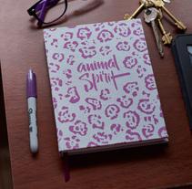 Cuadernos Macaron / Animal Spirit. A Photograph project by Anibal Fantino         - 28.03.2016