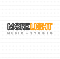 Logotipo y tarjetas de visita para MoreLight Studio. A Graphic Design project by Pablo Deparla         - 02.06.2016