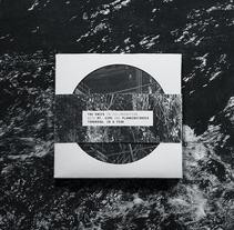 The Knife — Tomorrow, In A Year. Un proyecto de Fotografía, Dirección de arte, Diseño editorial, Diseño gráfico, Paisajismo y Packaging de Manuel Dacosta - 21-09-2016
