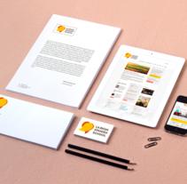 Identidad corporativa y Web: La Rioja Spanish School. Un proyecto de Dirección de arte, Diseño Web y Desarrollo Web de Nacho Salvador         - 15.11.2016