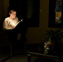 Mi Proyecto del curso: La luz fantasma: técnica de iluminación y tratamiento del color. Un proyecto de Fotografía y Diseño de iluminación de Gabriel Nanclares Gómez         - 17.12.2016