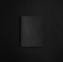 Pérdida de lo absoluto. Un proyecto de Diseño, Fotografía y Diseño editorial de Verbena  - 19-01-2017