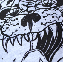 Camisetas con  diseño propio en serigrafía. Un proyecto de Ilustración y Serigrafía de Lucía Herrero García         - 03.04.2016