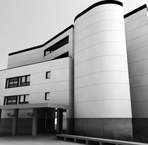 Centro Sociosanitario CGI 3D . Um projeto de 3D, Arquitetura e Design gráfico de Ivan C         - 26.02.2017
