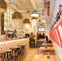 Reforma y Creación de imagen corporativa BurgerLab_by Adrián Quetglas Palma de Mallorca. A Graphic Design&Interior Architecture project by CRISTINA FORTEZA         - 10.11.2016
