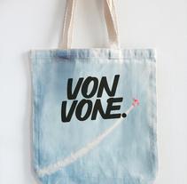 Mi Proyecto del curso: Diseño de logotipos caligráficos. Un proyecto de Diseño y Diseño gráfico de Ivonne Valle         - 05.07.2017