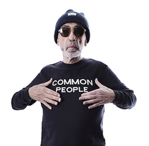 "Fotoreportaje Moda para The Vos Shop - ""Common People"". Um projeto de Fotografia de Salvador Fernández Jordan         - 20.11.2016"